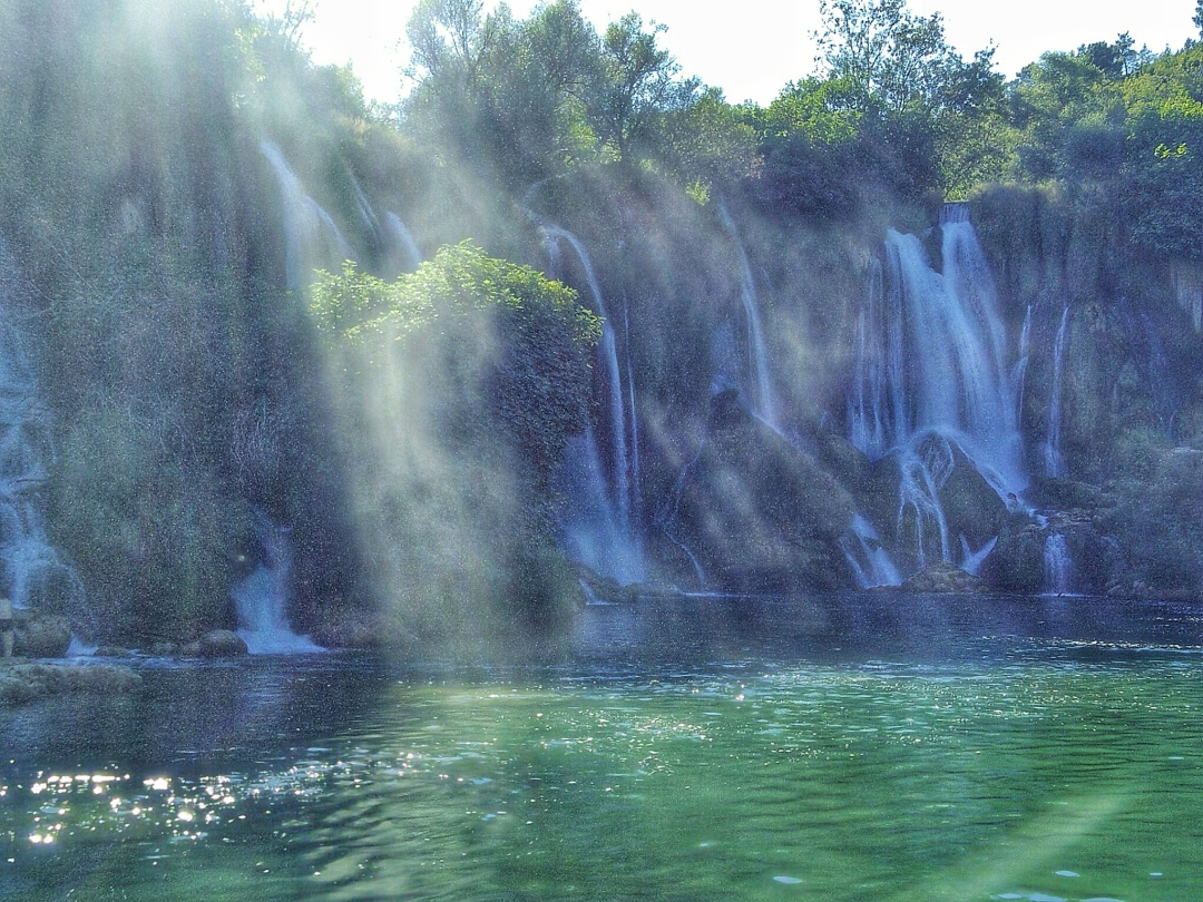 bosnia-kravice-waterfall