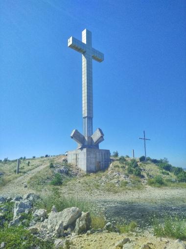 mostar-cross