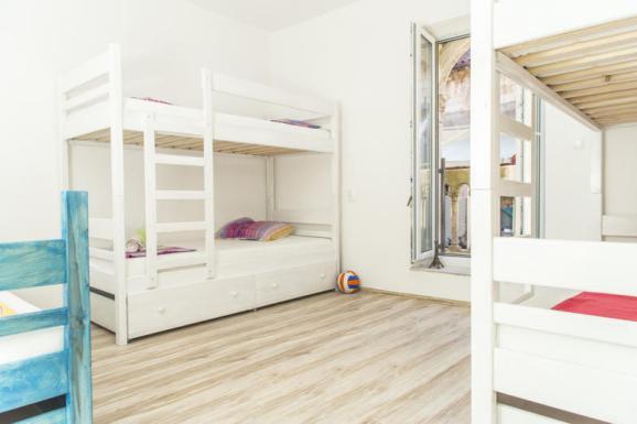 white-rabbit-hostel-hvar