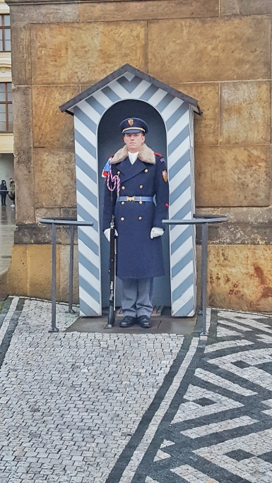 Changing of the Guard Prague Castle.jpg