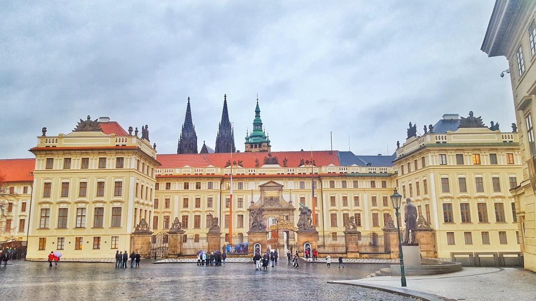 Prague Castle 2.jpg