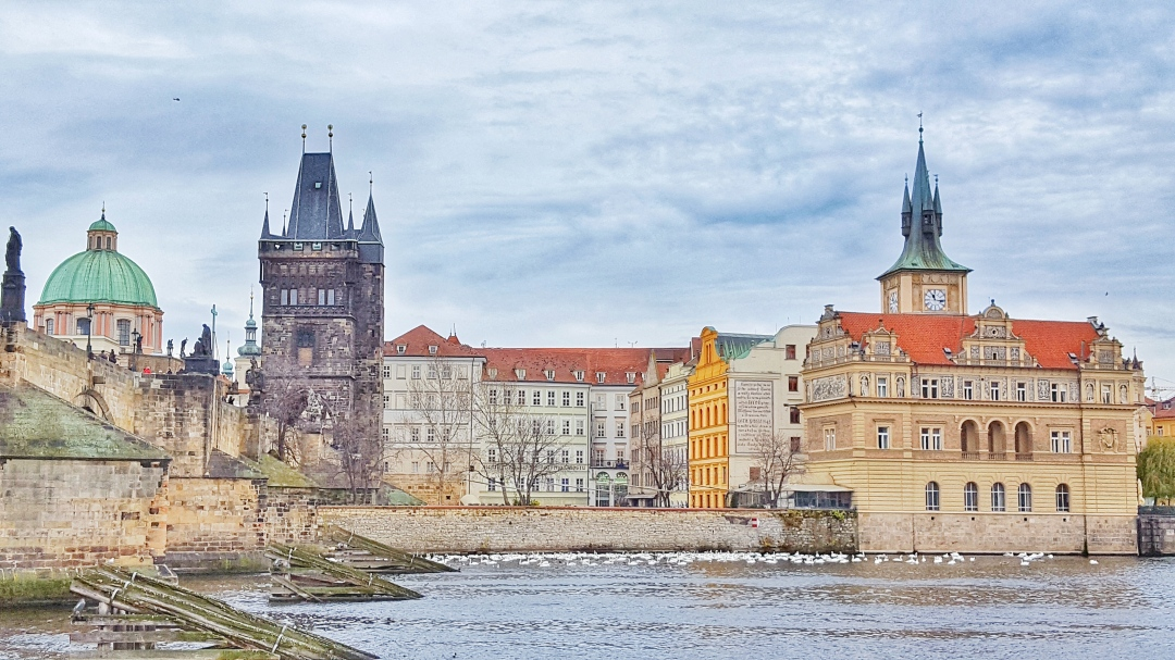 view-from-boat-trip-prague